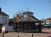 Market Place, Cannock - Southern Bandstand (ell brown) Tags: cannock staffordshire england unitedkingdom greatbritain cannockchase tree trees marketplace bandstand shelter churchst churchstcannock zebracrossing