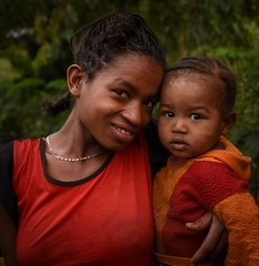 Wollayta Mother and Child (Rod Waddington) Tags: africa african afrique afrika äthiopien ethiopia ethiopian ethnic etiopia ethnicity ethiopie etiopian wollaita wolayta wollayta tribe traditional tribal culture cultural child mother outdoor