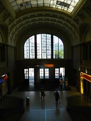 160624 LeipzigConcourse (2) (Transrail) Tags: station railway train concourse platform leipzighbf leipzig deutschebahn roof arch stone gallery
