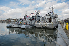 M351 Otra and A900 Mercuur_DVL0548 (larry_antwerp) Tags: military mijnenveger minesweeper minenjagdboot a900 mercuur marine nederlandsemarine m351 otra noorwegen norwegian navy kattendijkdok antwerp antwerpen 安特卫普 安特衞普 アントウェルペン אנטוורפן 안트베르펜 أنتويرب port 港口 海港 פארט 港湾 항구 بندر ميناء belgium belgië 比利时 比利時 бельгия ベルギー בלגיה बेल्जियम 벨기에 بلژیک بلجيكا schip ship vessel 船 船舶 אונייה जलयान 선박 کشتی سفينة