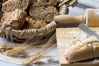 #pan #bread #harina #flour #trigo #wheat #bodegón #stilllife #2016 #málaga #andalucía #españa #spain #photoshoot #shoot #shooting #photoshoot #fotografíadeestudio #estudio #studio #luces #lights #sombra #shadow  #photographer #photography #canonistas #can