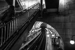 up, le metro, Paris (beeldmark) Tags: parijs silhouette frankrijk zwartwit trap station straatfoto îledefrance fr beeldmark