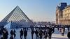 566 Paris en Février 2018 - Pyramide du Louvre (paspog) Tags: paris france février february februar lelouvre pyramide pyramidedulouvre 2018
