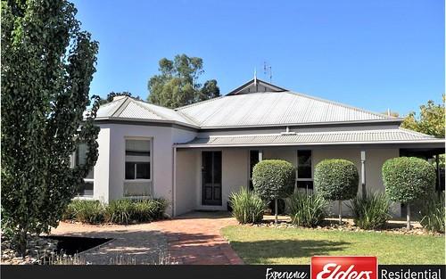13 Winnima Ave, Moama NSW