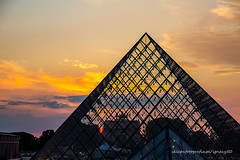a short story about thin, red line (ignacy50.pl) Tags: paris architecture travel sunset sunlight sky france monument touristic cityscape colorful evening outdoor
