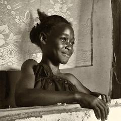 Madagascar - Adolescente à Aboalimena. (Gilles Daligand) Tags: madagascar aboalimena portrait adolescente sepia monochrome panasonic tz7