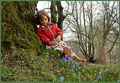 Träumen mit Milina ... (Kindergartenkinder) Tags: grugapark essen blausternchen blume kindergartenkinder milina annette himstedt dolls