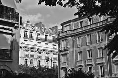 Rue du Maréchal Harispe (just.Luc) Tags: bn nb zw monochroom monotone monochrome bw houses maisons huizen häuser parijs parigi paris france frankrijk frankreich francia frança europa europe îledefrance