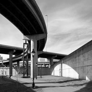 Kreuzweg mit Krücke / Crossroads on Crutches