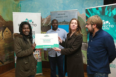 Solidaridad en Acción recibe 1.000 euros de Doce Lluches para una iniciativa educativa en Senegal