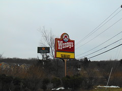 Wendy's (Plainfield, Connecticut) (jjbers) Tags: wendys fast food old fashioned hamburgers drive thru restaurant plainfield connecticut march 21 2018 road sign