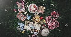 .sugar rhyme (iȠeRtiɊ ● Neverfar) Tags: gacha theepiphany randommatter disorderly neverfar decor roses cooking utensils secondlife sl virtual