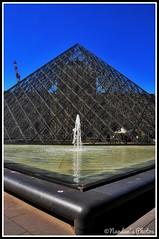 Louvre' - Paris (NNJHA1971) Tags: architecture museum louvre historical historicalbuildings paris art artandculture biggest