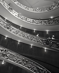 2018-04-21_07-02-37 (bobbykwibus) Tags: rome vatican city stairs