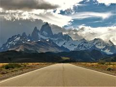 Caminos Patagonia,Fitz Roy,el Chalten,Argentina (Gabriel mdp) Tags: caminos cerrofitzroy el chalten parque nacional los glaciares montaña andes cordillera nieve contrastes naturaleza paisaje landscape