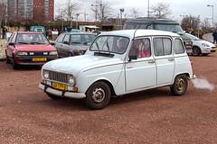 Renault 4 (R. Engelsman) Tags: renault auto car vehicle oldtimer youngtimer klassieker classiccar automotive transport rotterdam 010 netherlands nederland nl rotterdamseklassiekers milieuzone mznee
