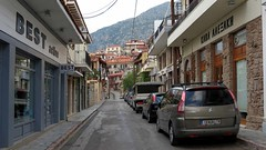 a street in Arachova IMG_9763 (mygreecetravelblog) Tags: greece centralgreece arachova boeotia viotia town mountaintown alpinetown outdoor landscape buildings architecture street road
