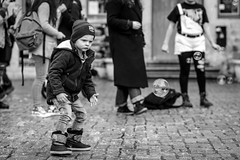 All you need is bubbles (Nils Croes) Tags: gent vlaanderen belgium be canon 6d2 85mm ghent bubbles child playing fun