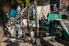 Su rincón, su casa (NachoAcaso.es) Tags: winner alt delhi india streetphotography
