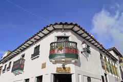 Fachadas (Tato Avila) Tags: colombia colores cálido cielos casas boyacá monguí arquitectura colonial nikon nubes ventana balcón colombiamundomágico