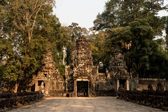 Angkor   |   Preah Khan (JB_1984) Tags: preahkhan temple stone ruins decay light shadow khmer siemreap krongsiemreap cambodia cambodge kampuchea nikon d500 nikond500
