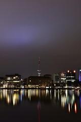 Schönes Hamburg 😊 (Pixelchen1) Tags: nikon5500 nikonafs35mm114g hamburg longexposure langzeitbelichtung bluehour blauestunde reflection lightreflection water wasser