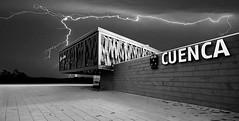 La estación (miguelangelortega) Tags: tren estación trainstation blancoynegro blackandwhite rayos tormenta storm night scare miedo