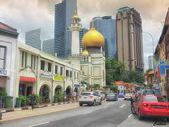 Masjid Sultan, Singapore (cattan2011) Tags: houses temple mosques streetpicture streetphoto streetphotography streetart architecturephotography architecture traveltuesday travelphotography travelbloggers travel landscapephotography landscape 新加坡 masjidsultan singapore