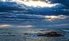 2017-09b-F5680 copia (Fotgrafo-robby25) Tags: alicante costablanca fujifilmxt2 marmediterráneo nubes rayosdesol rocas