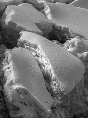 Banquise 2 (Patrice StG) Tags: icefloe icepack banquise glace ice neige snow québec kp pentax pentaxart nb bw noiretblanc blackandwhite winter hiver stlaurent stlawrence stlawrenceriver fleuvestlaurent tonemapping mantiuk06