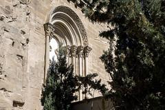 Monasterio de Santa María de Sijena,  ventanal del transepto (ipomar47) Tags: arquitectura architecture monasterio monastery cenobio abadia abbey romanico romanesque sigena sijena sixena huesca aragon españa spain pentax k3ii