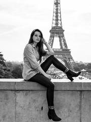 Trocadéro (Nathanaël Photo) Tags: 75016 cheveuxlongs elisapicard france modèle pantalon paris parisbyelles trocadéro uneseulefemme