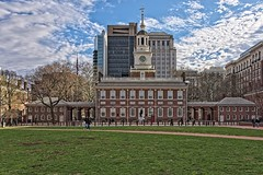 12 Score and 2 Years Ago (brev99) Tags: philadelphia d610 tamron28300xrdiif architecture on1photoraw2018 ononesoftware building cityscape independencehall cameracorrectionfilter people grass field clouds