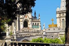 Lourdes 201-A (José María Gil Puchol) Tags: aquitaine basilique catholique cathédrale cierge eaumiraculeuse fidèle fontaine france handicapé jeanpaulii josémariagilpuchol lourdes paysbasque prière pélèrinage religion