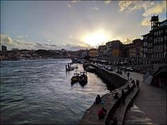 Oporto (JLL85) Tags: porto oporto portugal rio river sol atardecer sunset edificio building