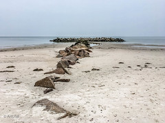 Calm Sea (ARTUS8) Tags: iphone6s flickr meer strand buhne felsen sand