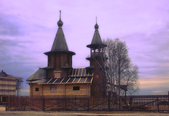Church in honor of the Grand Duke Alexander Nevsky (kvl23) Tags: buildingexterior architecture steeple gate roof oldtown belltower tree russia arkhangelsk tonedimage woodenhouse woodenchurch outdoors spirituality tranquilscene tranquility