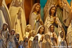 Lourdes 232-A (José María Gil Puchol) Tags: aquitaine basilique boutique catholique cathédrale cierge eaumiraculeuse fidèle france josémariagilpuchol lourdes paysbasque prière pélèrinage religion vierge vitrine