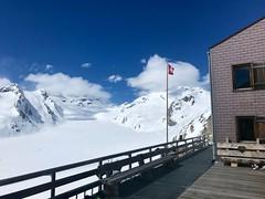 La terrasse où j'ai passé l'après-midi :-) (Jauss) Tags: berneroberland switzerland schweiz suisse clubalpinsuisse cas