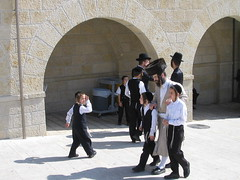 Orthodox Jews (x-girl) Tags: jerusalem oldcity wailingwall somethingelse men orthodox orthodoxjews judaism jewish shadow mylittletrip hat kippa
