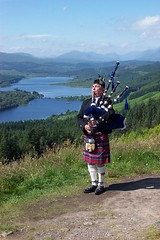 Shortbread Tin (Szmytke) Tags: mountain holiday topv111 landscape scotland topv555 topv333 kilt piper loch bagpipes shortbread fortwilliam tartan tummel lochtummel fav5