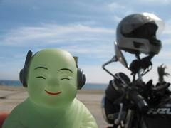 El Buda Motorizado en la Playa