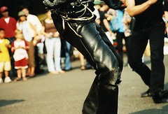Japanese rocker (Lil [Kristen Elsby]) Tags: man leather japan japanese tokyo chains asia dof pants dancing legs audience streetphotography dancer rocker harajuku rockabilly trousers torn  rocknroll topv3333 yoyogipark eastasia tokyorockabillyclub yoyogikoen    japaneserockabilly
