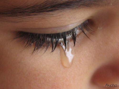 الدموع ماهي ..؟ 8512554_94caa8d980