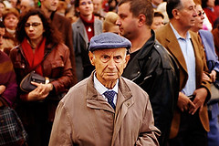 A Man in a Crowd - S4-545-720 (sam b-r) Tags: madrid man spain crowd kra05 superfantastique utatasolitude topf100 curated002 mostfavoritedphotocreamofthecrop sambrimages