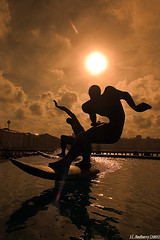Surfers_Redux (J.C. Rojas) Tags: espaa sun sol statue lafotodelasemana spain surfer galicia galiza eps1 eps2 eps3 estatua eps4 acorua surfista concursomonumento eps5 eps6 espaayportugalseleccin virados lfsvirados lfscontraluces