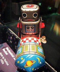Rocket Man (Dalmatica) Tags: toys robot rocketman robots collectibles japanesetoy throughtheglass rs45 msichicago dalmatica robotexhibit yoshija jumpingrocketman