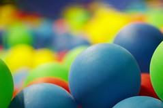 miles de bolas de colores #1 (briveira) Tags: color playground ball colorful child play piscina jugar bola juego nio mio playpen pelota colorido pukis briveiracom