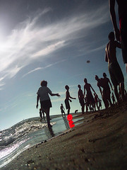 il sinuoso mondo della Zoran (zoran (la divina)) Tags: distortion beach freestyle frisbee zoran undulate efc2006