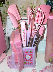 Hello Kitty Strawberry Utensil Holder (pkoceres) Tags: pink cooking kitchen japan strawberry hellokitty knife korea brush sanrio kai tongs utensil komachi sharpener spatula holder whisk basting     boughtonebay boughtattarget  hellokittystrawberry